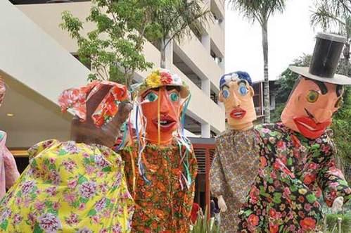 Bonecos de Olinda em SP