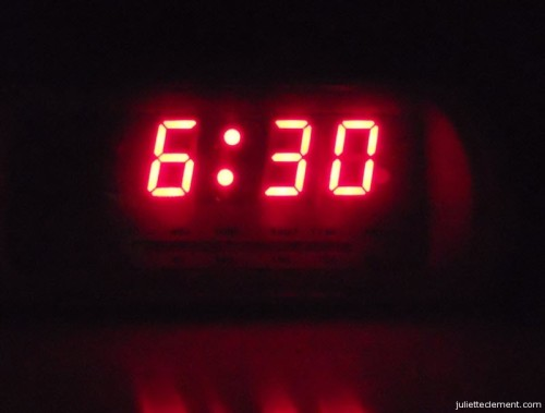 630_am_digital_alarm_clock