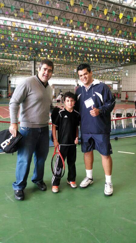 foto Davi torneio de tênis